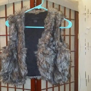 Steve Madden Cropped Faux Fur Vest